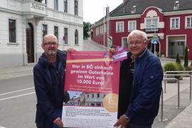 2021.08.30    Gewinnspiel in BÖ-Bürgermeister Johann Hell und GGR Mag. Karl Herzberger