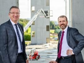 2018.09.25 | Gleichenfeier bei Würth-Zufrieden mit dem Baufortschritt: Willi Trumler (links) und Alfred Wurmbrand (rechts), Geschäftsführer Würth Österreich; Fotos: @Würth