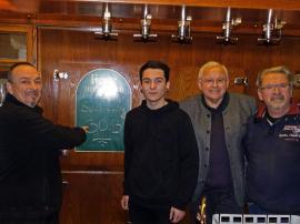 2019.01.08. | Gasthof Fink wird weitergeführt-Pächter Pleskonjic Ljubisa alias Luigi, Sohn Slobodan, Bgm. Johan Hell und Eigentümer Willy Fink (v.l.n.r.)