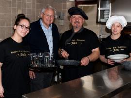 2019.03.22. | Tag(e) der offenen Tür bei Gasthof Fink - 30. und 31. März-Johann Hell bei der Vorabbesichtigung der neuen Küche bei Familie Pleskonjic im Gasthof Fink