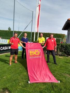 2020.09.22   BÖ Ortsmarketing besucht SV Würth-SV Würth und BÖ Ortsmarketing beim Hissen der neuen Fahne