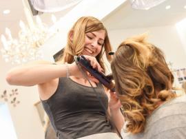 FriseurIn und PerückenmacherIn (Stylist) Lehrzeit: 3 Jahre
