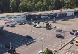 Fachmarktzentrum direkt beim Ortskern-