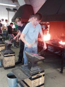 Schmiedekurs der PTS Fachgruppe Metall-
